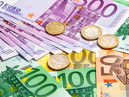 Курс евро превысил отметку в64 рубля
