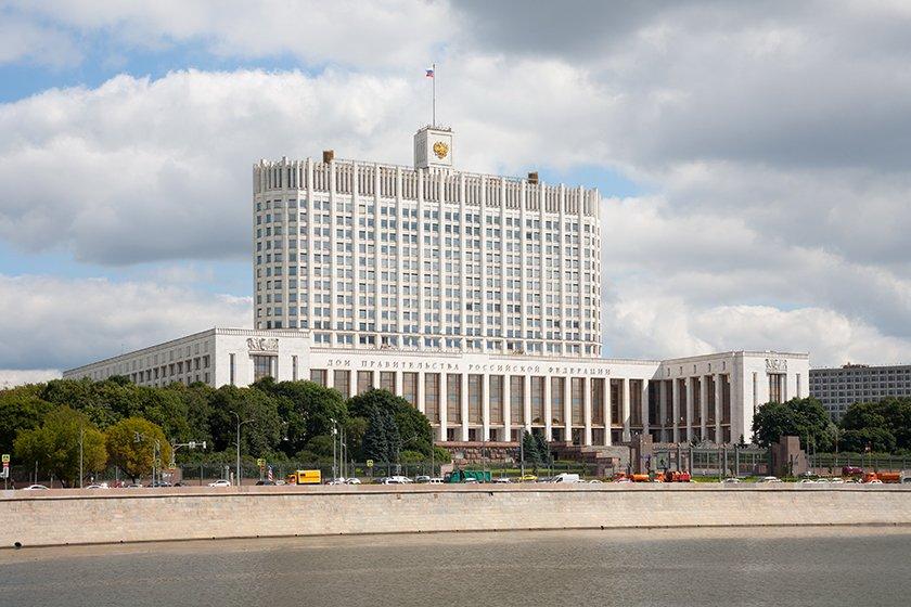 Вице-премьер РФ: решение о форме электронного паспорта должно быть принято летом